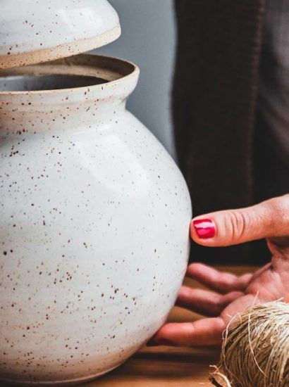Leading cremation urn manufacturers